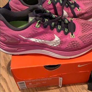 Women's Nike Sneakers + box